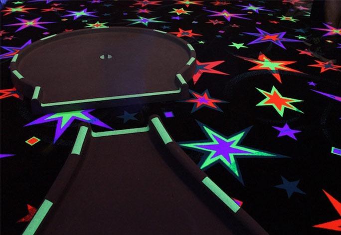 Piste-minigolf-Blacklight