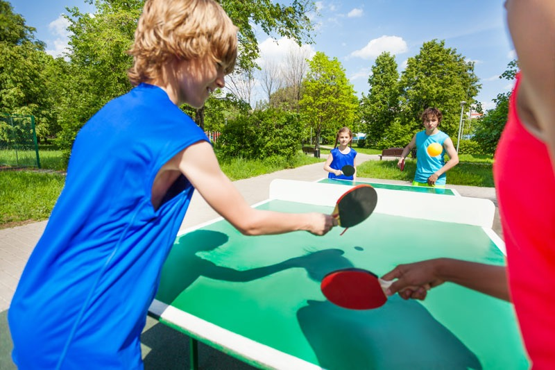 Jouer-au-ping-pong